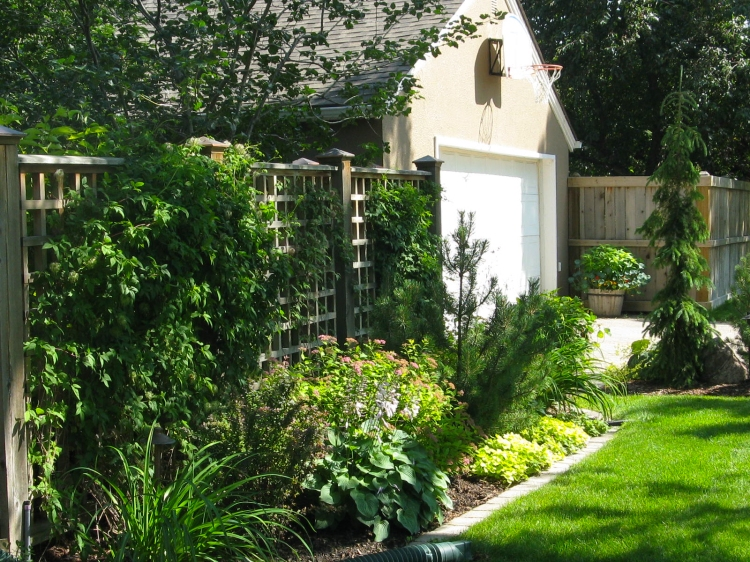 Picture of a beautiful client's yard in Edmonton, Alberta